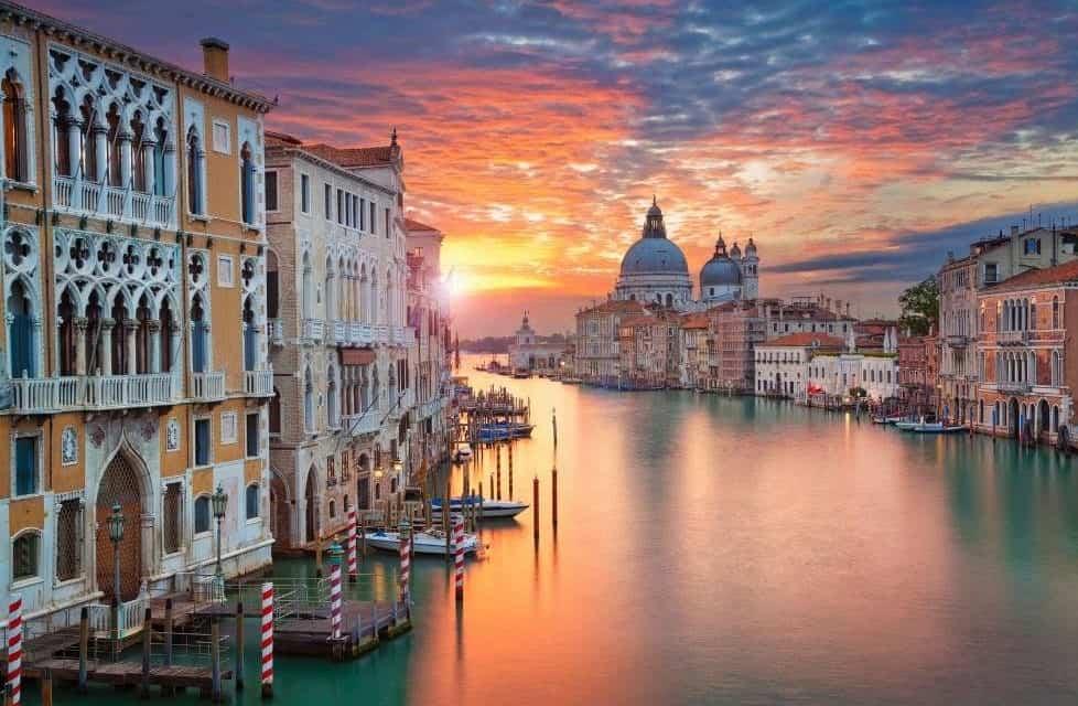 Venice 漂浮在碧波上浪漫的夢